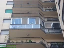 Cerramiento de un balcón