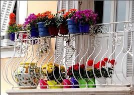 Las barandillas de los balcones