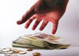 La Presidenta de Comunidad se apropia indebidamente de 17.000 €