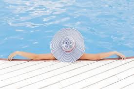 Renuncia al uso de la piscina con reducción de cuota