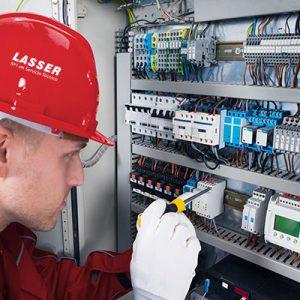 Los beneficios de un mantenimiento eléctrico en una comunidad de vecinos